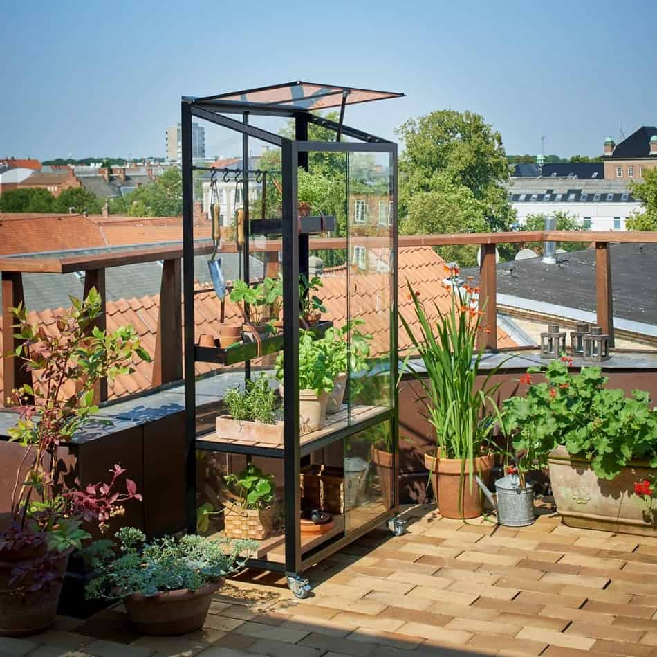 Juliana Urban City Greenhouse On Roof